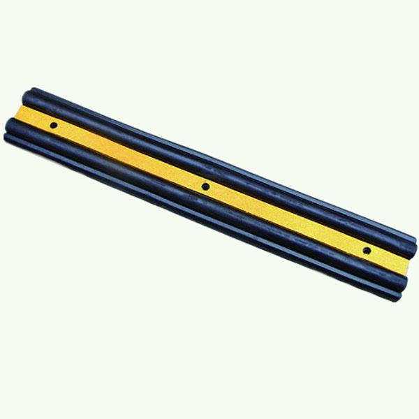 墙面保护器 优质原生橡胶,黄色反光条纹,重5kg,含安装配件,1000×160×50mm